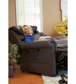 Relaxer lift chair Golden Technologies brisa