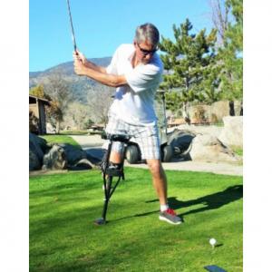 iWalk golfer